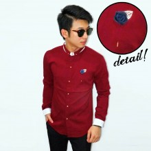 Kemeja Emboss With Floral Lapel Pin Maroon