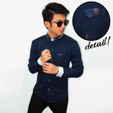 Kemeja Emboss With Floral Lapel Pin Navy