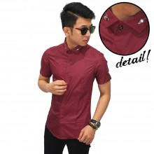 Kemeja Pendek Slim Fit Diamond Button Maroon